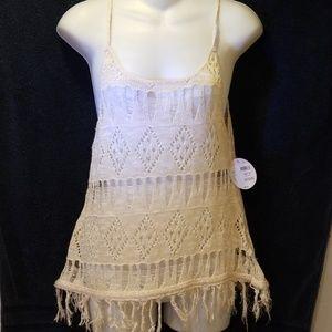 NWT.   Bongo crochet top Size M